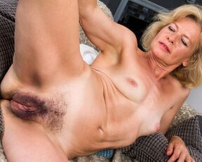 Mature hairy pussy tube
